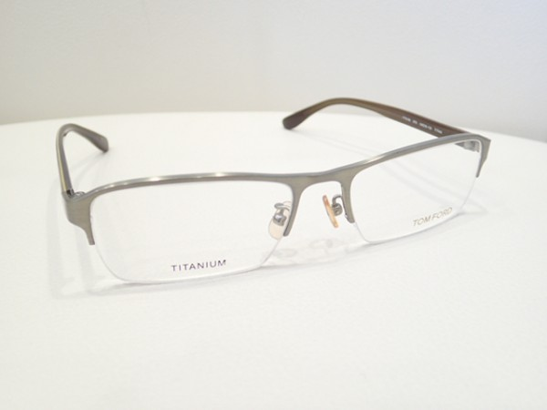 TOM FORD(トムフォード) FT5106