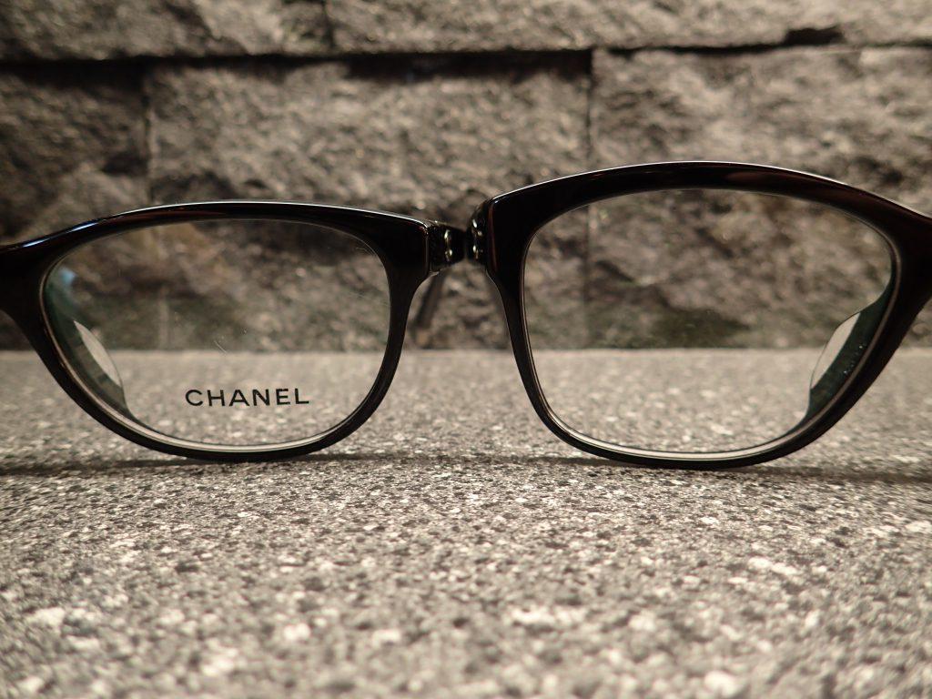 CHANEL(シャネル) アイスキルトシリーズから3323Aと3324Aを比べてみました。