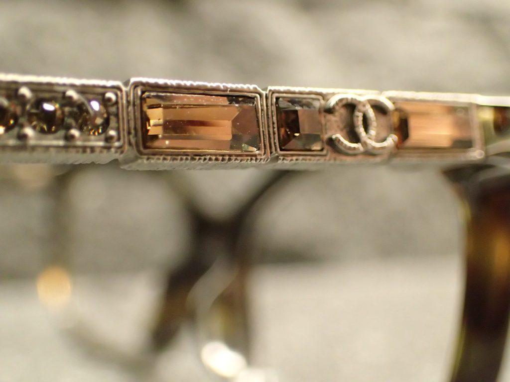 CHANEL(シャネル) 3304BA+3305BA 宝石をコンセプトに作られたフレームのご紹介。