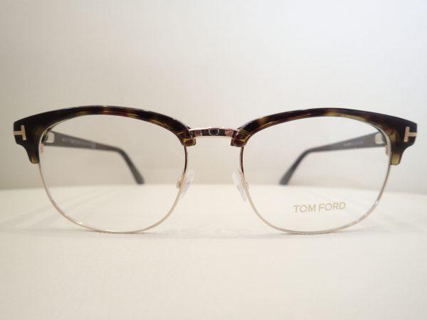 TOM FORD(トムフォード) 「TF5458」 落ち着きと柔らかさが印象のサーモントブローです。 TOM FORD