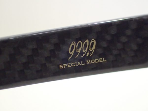 999,9(フォーナインズ) 「CFRP-01」 見た目から分かりやすいカーボンフレームです 999.9