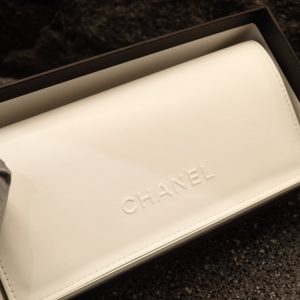CHANEL(シャネル)「CH6051」香水をモデルに作られた2018冬のコレクションです。 CHANEL