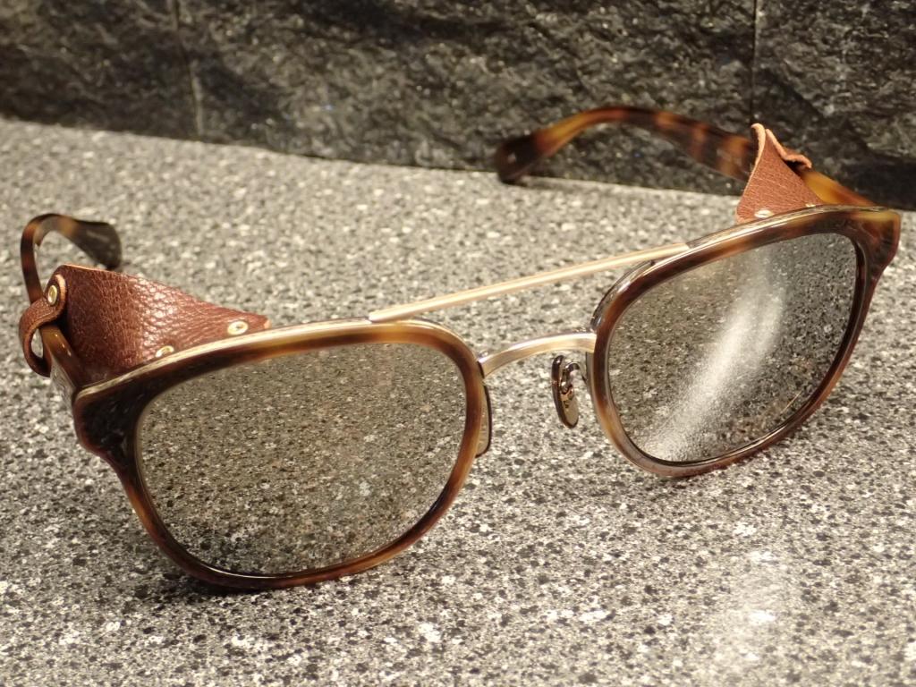 OLIVER PEOPLES(オリバーピープルズ)60年代のアメリカ映画に使われたバイカータイプのサングラス Moreton