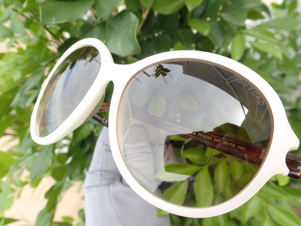 エイジングケアにはサングラスが最もお手頃です。