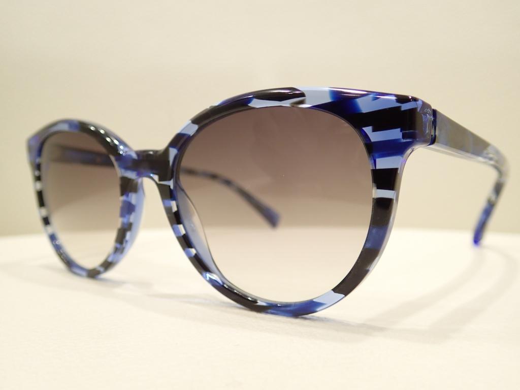 alain mikli(アランミクリ)「A03070」綺麗な生地にはサングラスにしても映えます。
