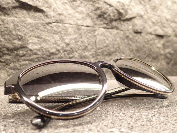 時代の流れに合わせたパントスシェイプサングラス。シャネル「CH5403A」-CHANEL