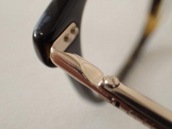 グッチ(GUCCI)「GG0520O」テンプルのストライプが上品です。-GUCCI
