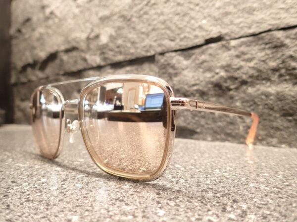 シャネル(CHANEL)「CH4241」香水のボトルをイメージしたシャネルらしいサングラス。