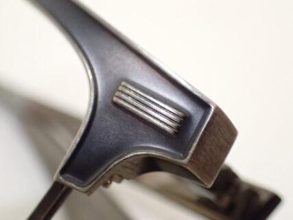 フォーナインズ(999,9)「S-915T」シートメタルの立体感が大人の深みを演出します。
