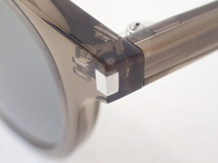 装飾のないシンプルデザイン|サンローラン(SAINTLAURENT)「SL342」