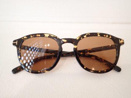 冬のファッションにピッタリのサングラスです|TOM FORD(トムフォード) TF816 (Pax)