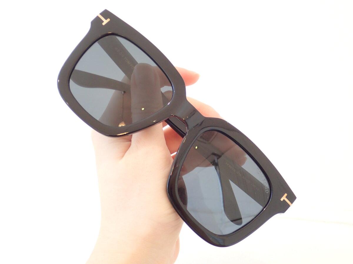 男性が掛けても眉まで隠れるBIGサングラス!|TOM FORD(トムフォード)「TF803-K 01A」